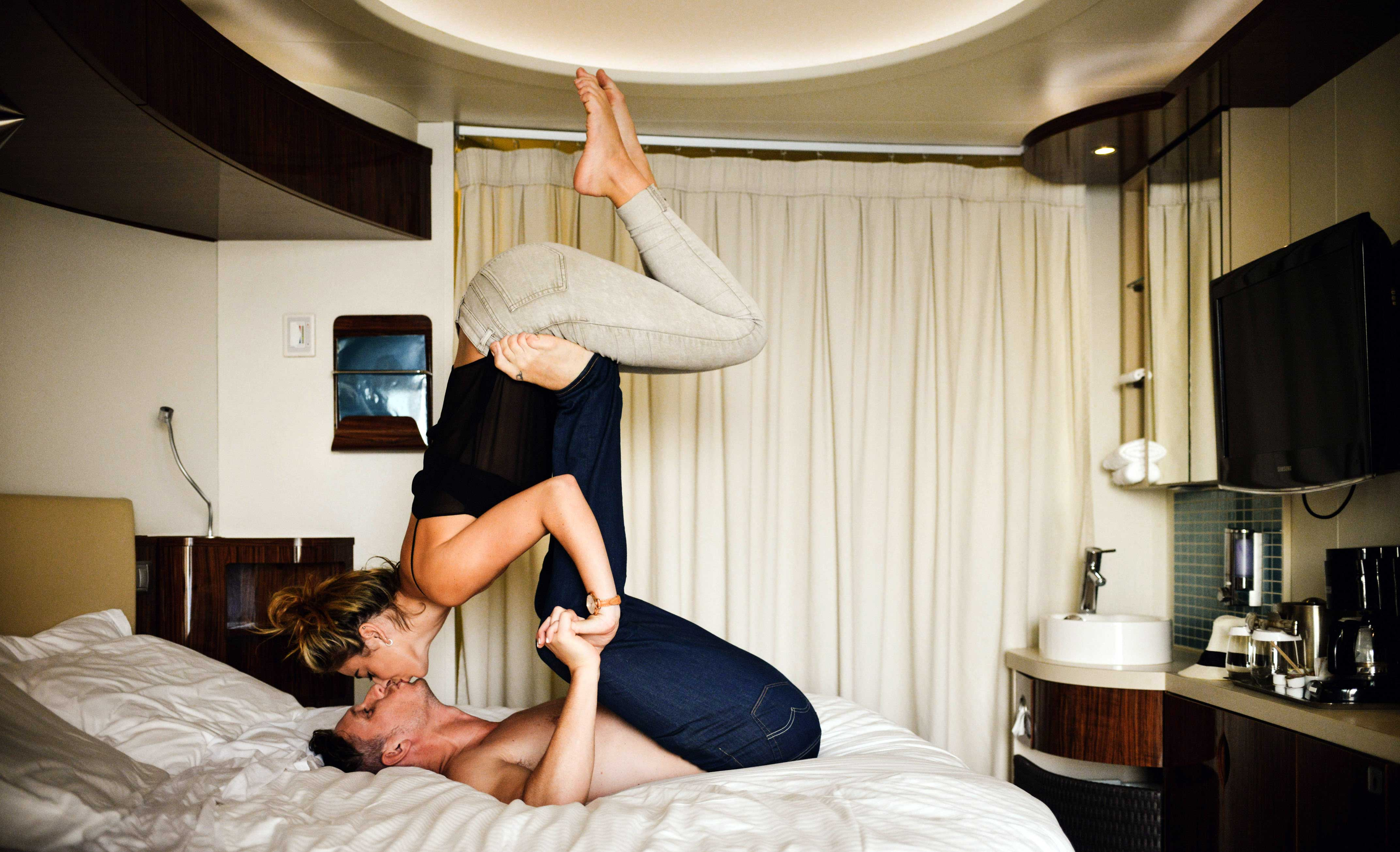 romantic pictures of couples kissing in bed
