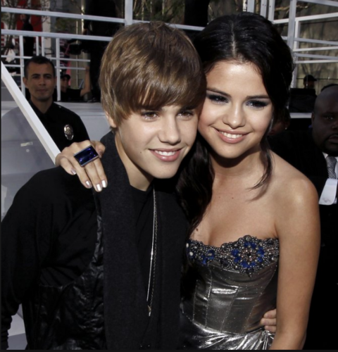 selena gomez wallpaper entitled selena gomez and justin bieber 2017