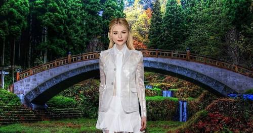 クロエ・モレッツ 壁紙 entitled waterfall water bridge trew