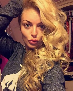 ♥ ♥ ♥ Gorgeous Mandy Rose ♥ ♥ ♥