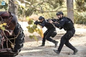1x12 - Contamination - Hondo and Deacon