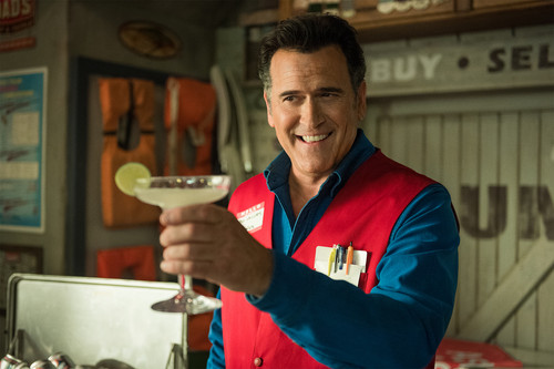 "Ash vs Evil Dead achtergrond called Ash Vs Evil Dead ""Family"" (3x01) promotional picture"