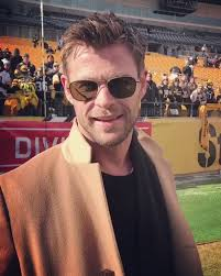 Chris Hemsworth at the AFC Divisional game between Jaguars and Steelers