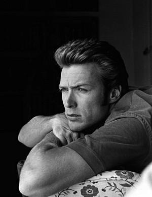 Clint Eastwood at Home (1958) Von John R. Hamilton
