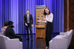 Gal Gadot on The Tonight montrer Starring Jimmy Fallon