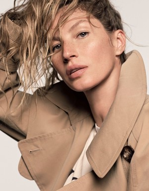 Gisele covers the February 2018 issue of Vogue Giappone