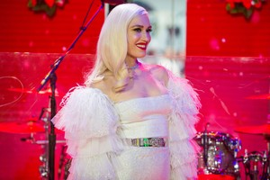 """Gwen Performs on """"Today'' 显示 - November 20th 2017"""