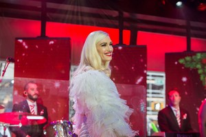 """Gwen Performs on """"Today'' tampil - November 20th 2017"""
