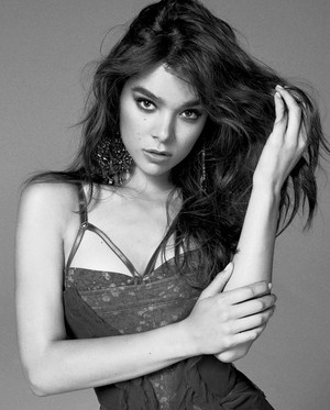 Hailee Steinfeld for Marie Claire [February 2018]