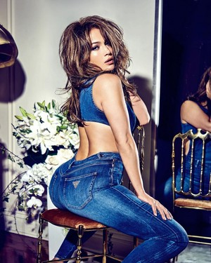 Jennifer lopez for Guess Jeans [2018]