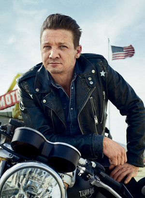 Jeremy Renner - Mens Journal Photoshoot - 2017