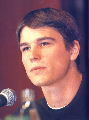 Josh Hartnett - Pearl Harbor press conference