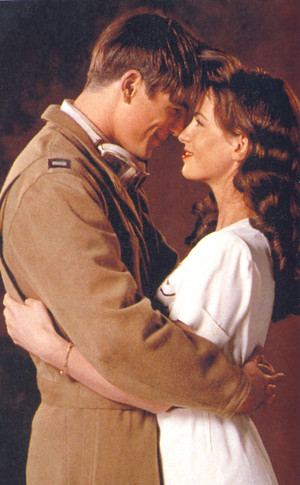 Josh Hartnett and Kate Beckinsale - Pearl Harbor