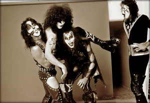 Kiss ~Hollywood, California...August 25, 1974