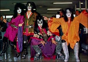किस ~Kyoto, Japan...March 27, 1977