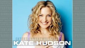 Kate Hudson karatasi la kupamba ukuta