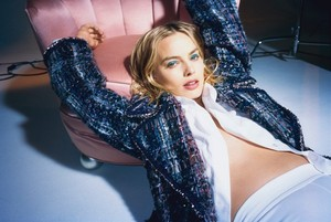 Margot Robbie - Wonderland Photoshoot - 2017