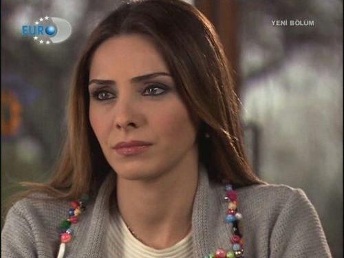 Nur Fettahoğlu fond d'écran called Nur Fettahoğlu