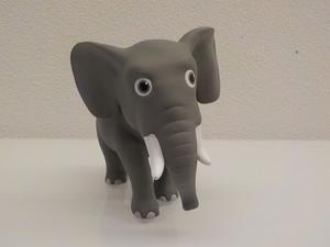 Oreste l'elefante africano