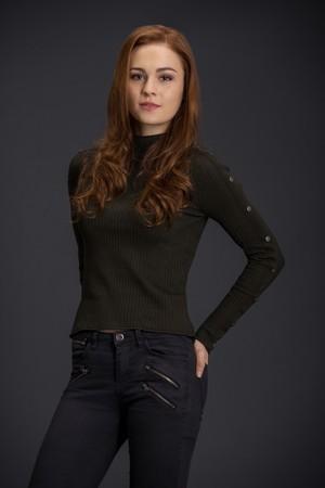 Outlander Brianna Randall Season 3 Official Picture