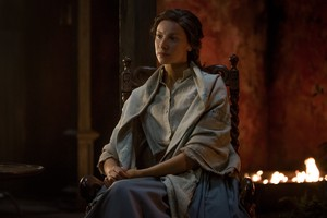 "Outlander ""Eye of the Storm"" (3x13) promotional picture"