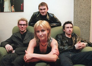 RIP Dolores O'Riordan, The Cranberries Lead Singer (1971-2018)