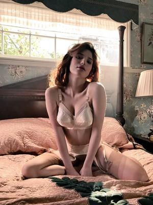 Sexy Bella Thorne