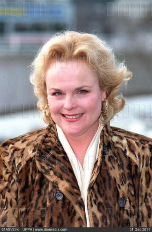 Sheila Gish (23 April 1942 – 9 March 2005)