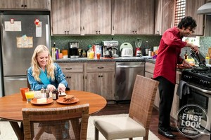"The Big Bang Theory ""The Separation Triangulation"" (11x14) promotional picture"