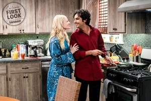 """The Big Bang Theory """"The Separation Triangulation"""" (11x14) promotional picture"""