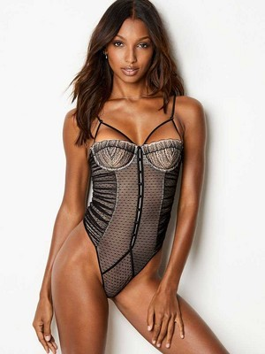 Victoria's Secret 2018 Catologue: jazmín Tookes