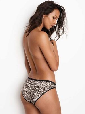 Victoria's Secret 2018 Catologue: Laís Ribeiro