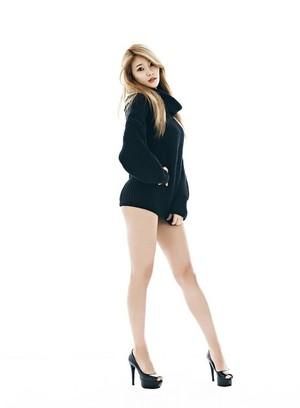 Yuna (AOA) - Miniskirt