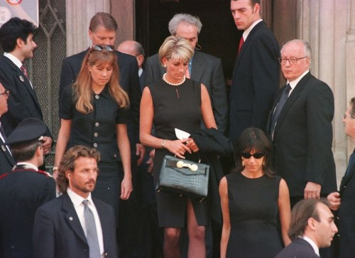 beroemdheden who died young achtergrond called gianni versace funeral