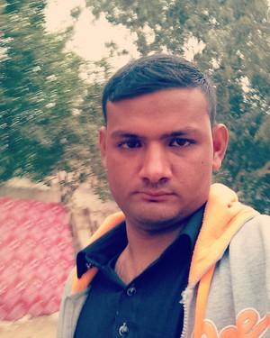 karachi boy Naveed Anjum