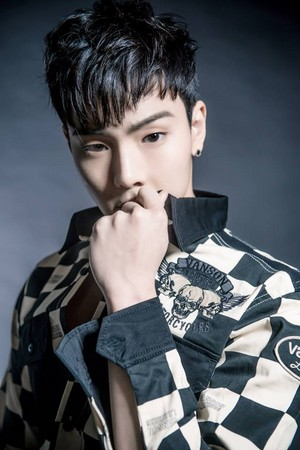 (MAGAZINE) MONSTA X Shownu for Fandolnews