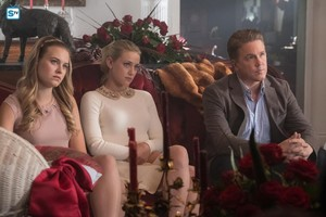 """2x15 - """"There Will Be Blood"""" - Promotional تصاویر"""
