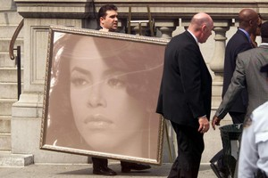 Aaliyah's Funeral Back In 2001