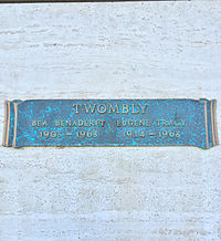 Gravesite Of Bea Benedaret