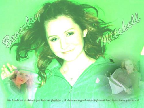 Beverley Mitchell achtergrond called Beverly Mitchell