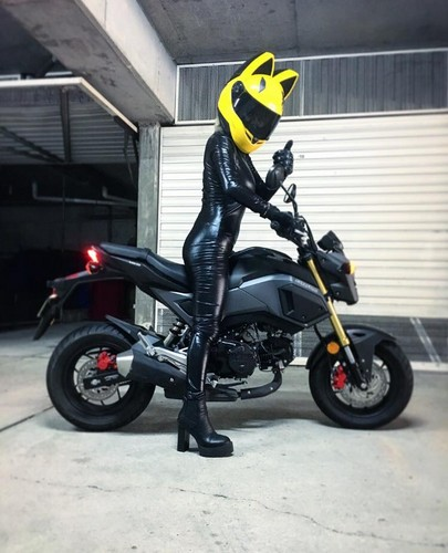 Durarara!! achtergrond entitled Celty Cosplay with my motorbike