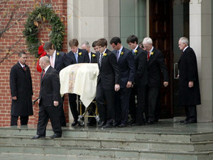 Elizabeth Edwards' Funeral Back In 2010