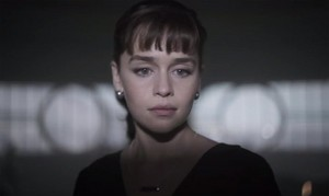 "Emilia Clarke in ""Solo: A سٹار, ستارہ Wars Story"" movie picture"