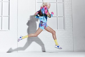 Karlie Kloss for Adidas 由 Stella McCartney [Spring 2018 Collection]
