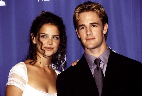 Dawson And Joey wallpaper titled Katie Holmes & James Van Der Beek at the 1998 Emmy Awards