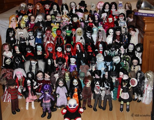 Living Dead Dolls karatasi la kupamba ukuta called LDD Collection 1