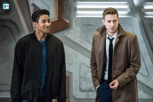 DC's Legends of Tomorrow wallpaper titled Legends of Tomorrow - Episode 3.13 - No Country for Old Dads - Promo Pics
