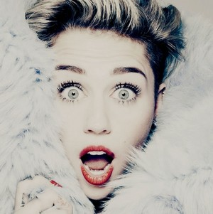 Miley Cyrus fan art made by me -KanonKyu