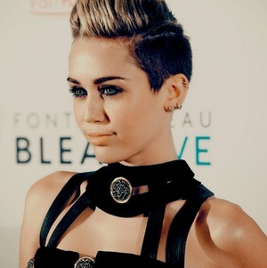 Miley Cyrus fan art made by me - KanonKyu