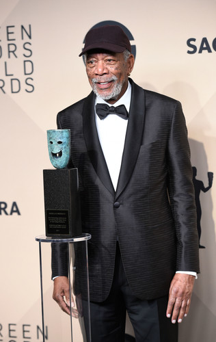 morgan Freeman karatasi la kupamba ukuta entitled morgan Freeman (2018)